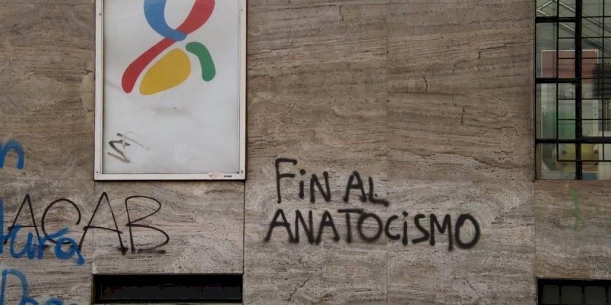 """""""Fin al anatocismo"""": la consigna de desconocido manifestante que se volvió viral y que muestra que """"el pueblo sabe más de lo que ellos creen que sabemos"""""""