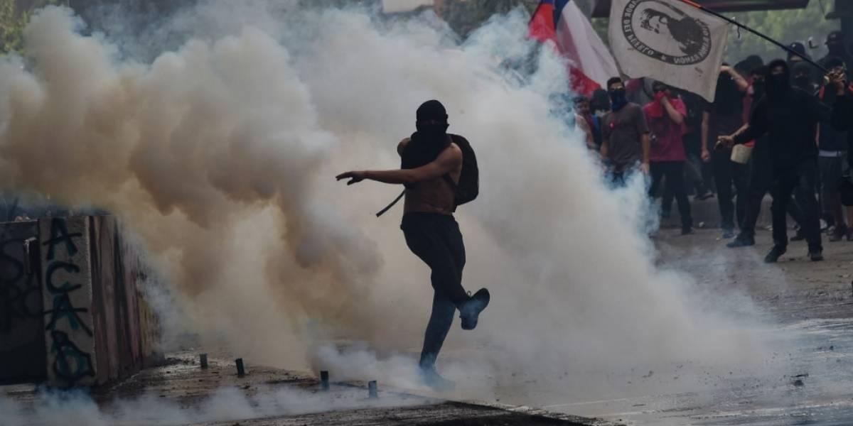 "Chile vuelve a tomar las calles en ""superlunes"" de protestas"