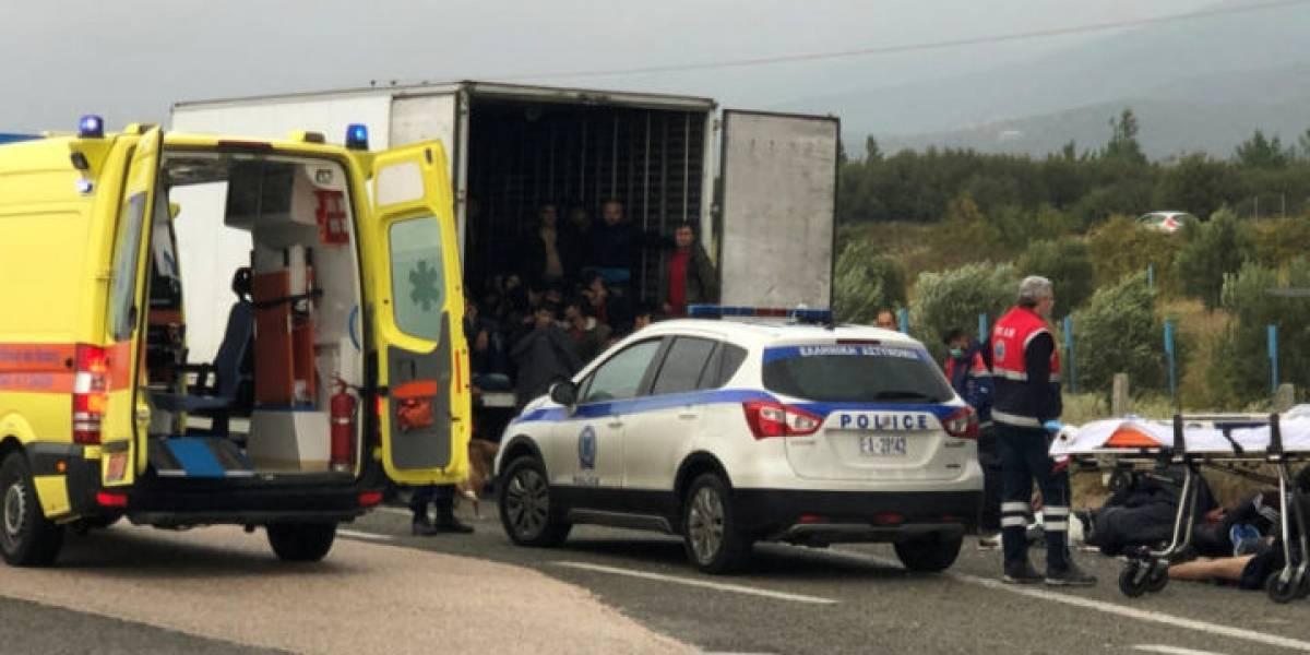 41 pessoas são encontradas em caminhão refrigerado na Grécia