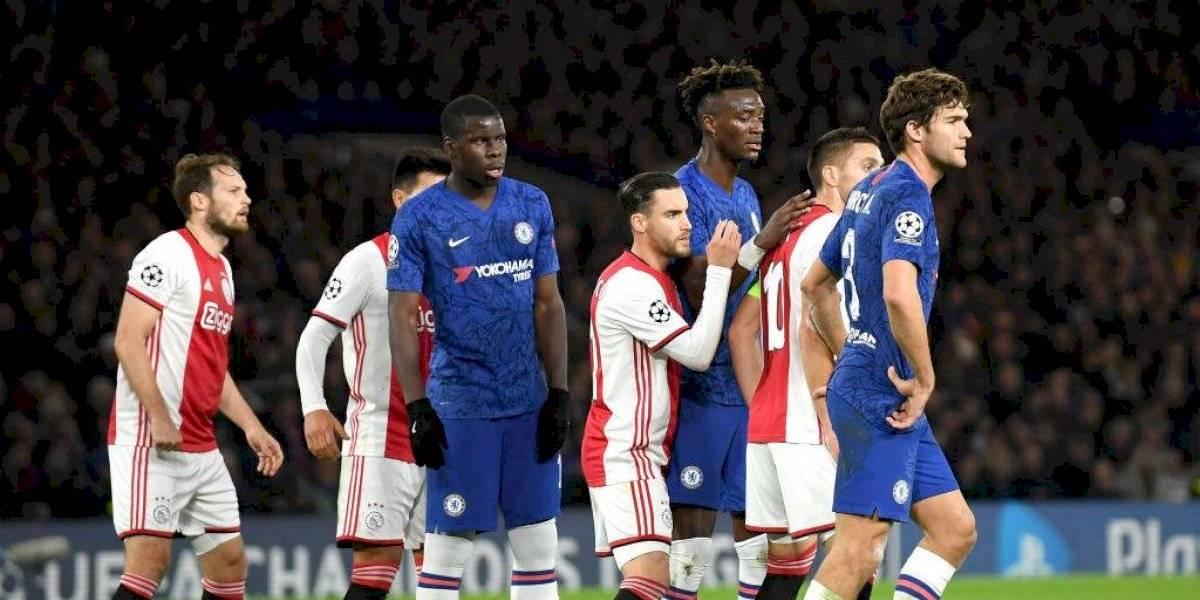 Ajax deja escapar el triunfo en su visita al Chelsea