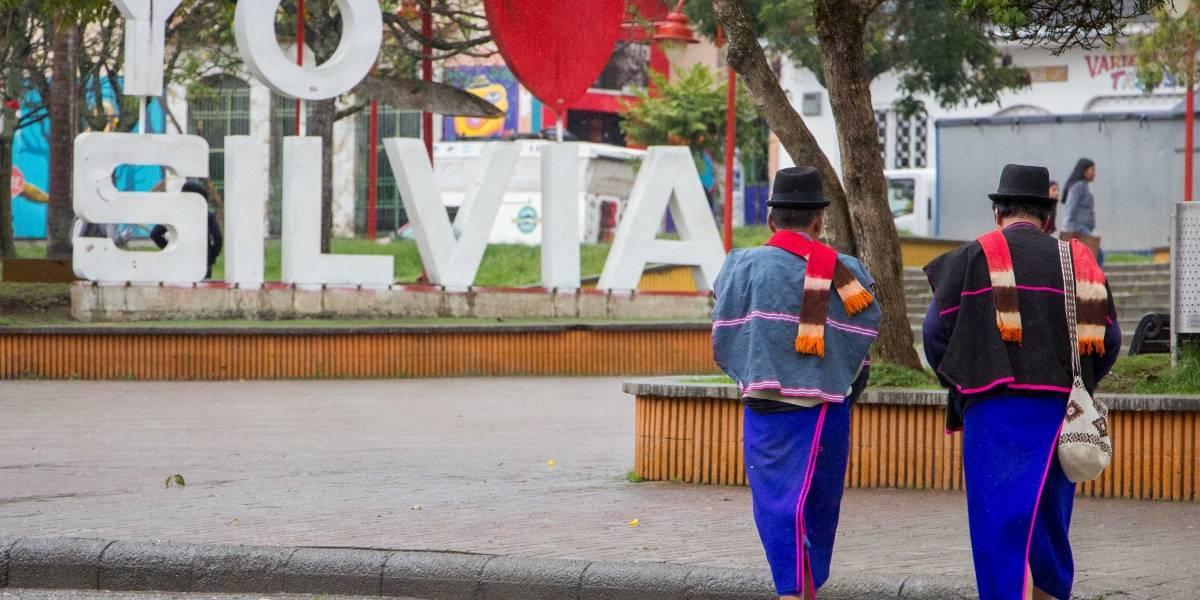 Despiden a hombre que trató de 'hijueputas' a indígenas del Cauca