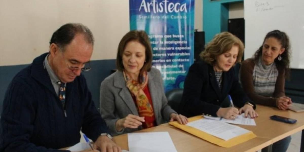 Diners Club del Ecuador firma acuerdos de cooperación socioeducativos
