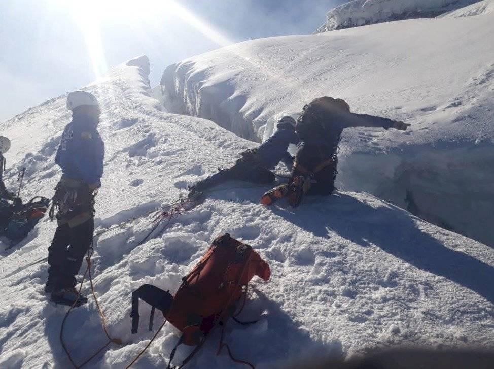 Policía recupera cuerpo de montañista suiza fallecida en Cotopaxi