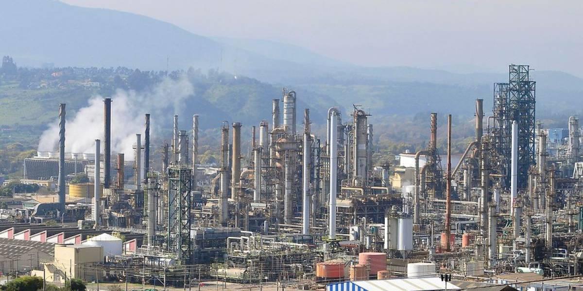 Sindicato de trabajadores de ENAP confirma paro en compromiso con las revueltas sociales