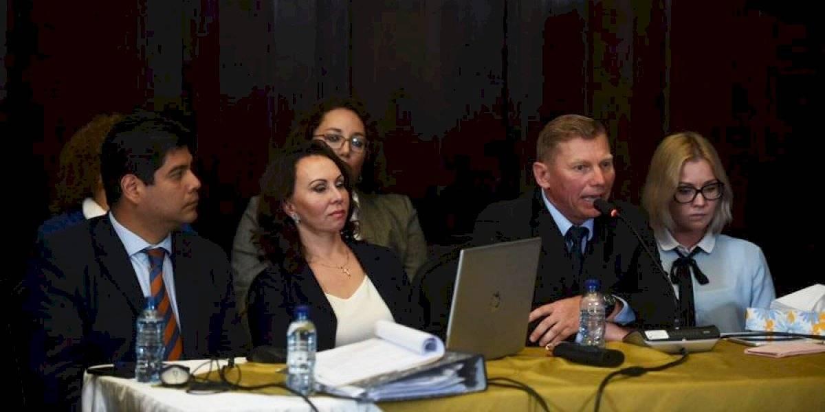 Familia Bitkov es escuchada por Comisión de la Verdad del Congreso