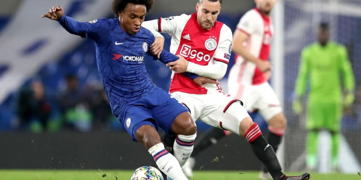 Chelsea y Ajax dieron un espectáculo en la Champions con empate que tuvo autogoles, expulsiones y acción del VAR