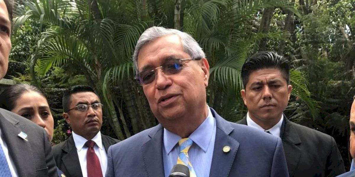 Vicepresidente Jafeth Cabrera se pronuncia por las licitaciones de fin de gobierno