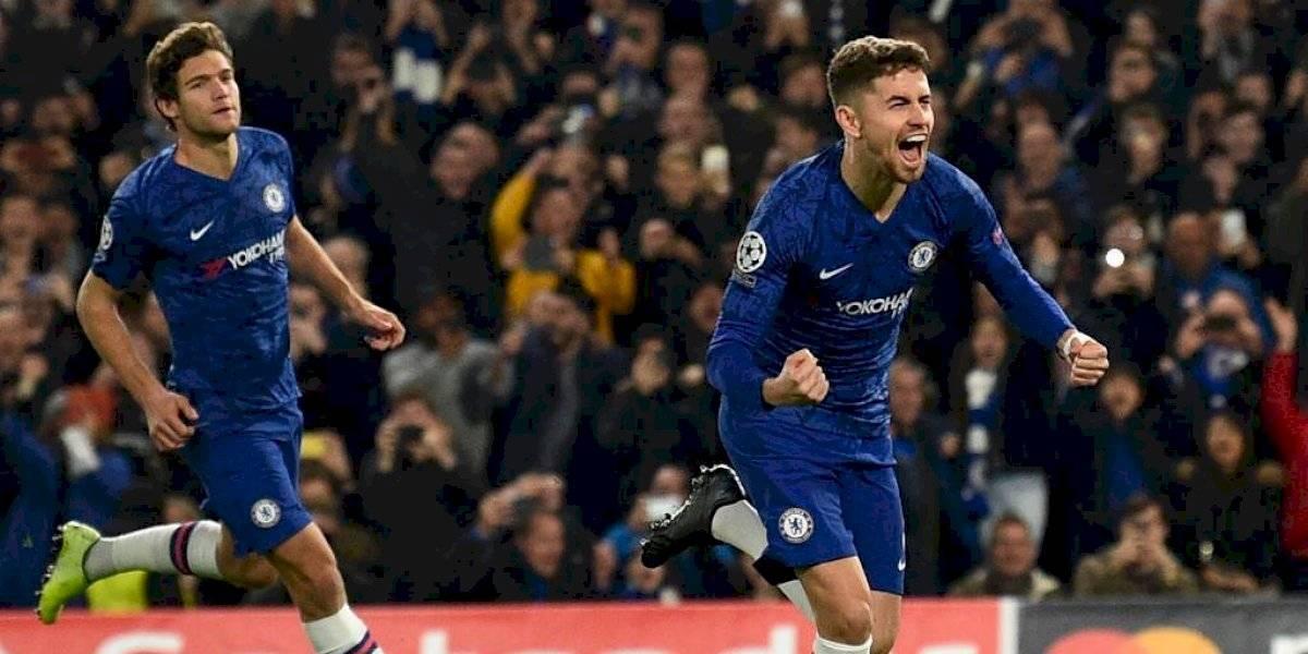 En un juego de infarto ante el Ajax, el Chelsea rescata el empate y sigue líder