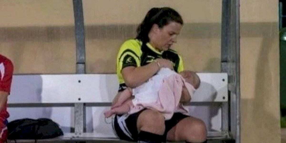Futbolista española amamanta a su bebé en cada entrenamiento y se vuelve viral