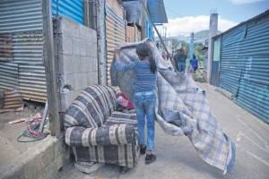 Vecinos afectados en Ciudad Peronia