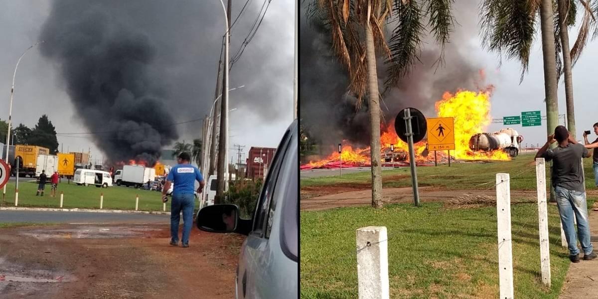 Incêndio após colisão de carretas bloqueia pistas da rodovia Anhanguera
