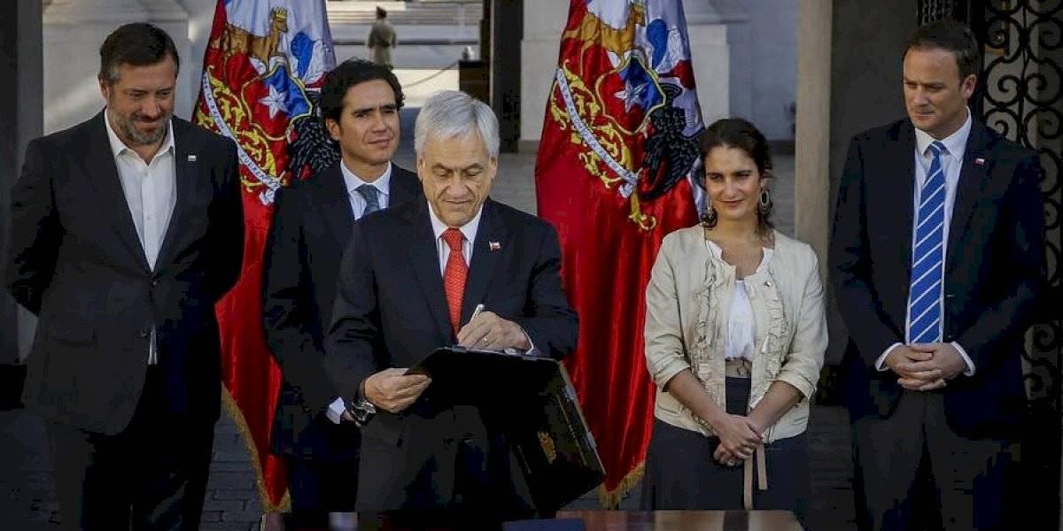 """Aseguró que lo hará """"personalmente"""": Piñera anuncia que visitará junto a ministros """"a los civiles que han sido víctimas de la violencia"""""""
