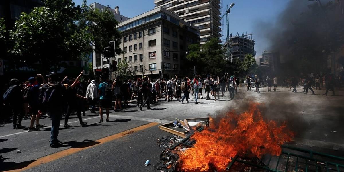 Providencia bajo presión: Precaución ante manifestaciones generaron cierre del Costanera Center