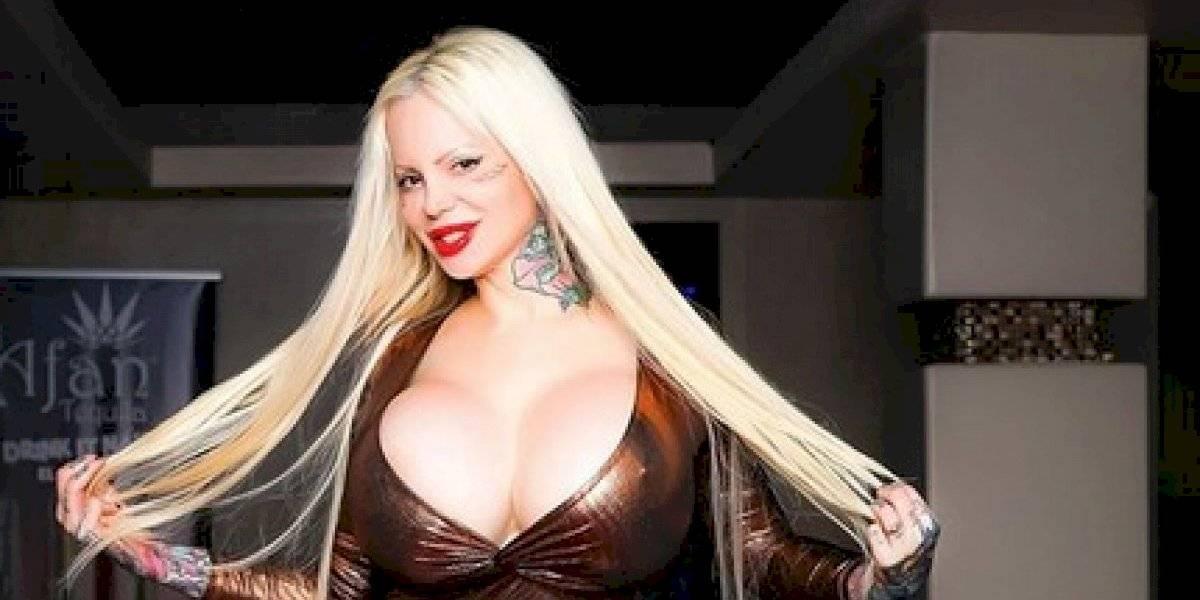 Sabrina Sabrok atrae a los británicos por ser una porno satánica