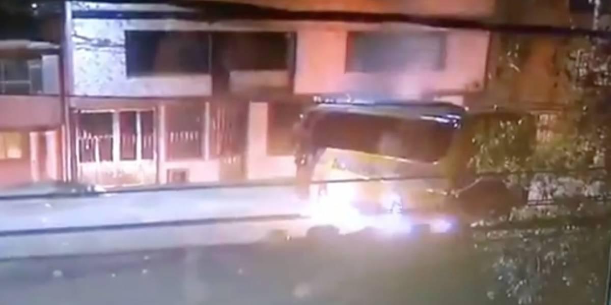 (VIDEO) Hombre quemó bus intermunicipal en Bogotá con el conductor dentro