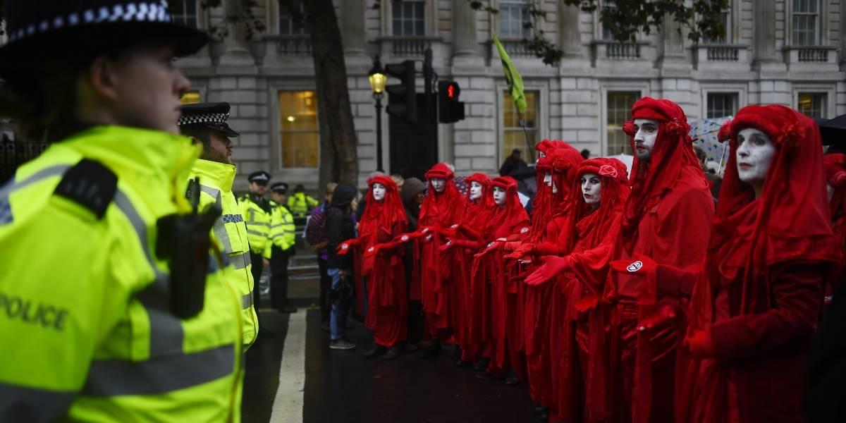 ¿Protestas climáticas son ilegales en Reino Unido? La policía quiso prohibir las manifestaciones de Extinction Rebellion pero falló
