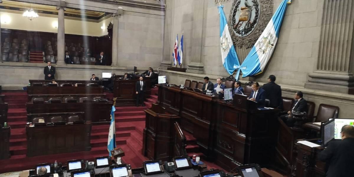 Diputados señalan que fueron amenazados por el ministro José Luis Benito