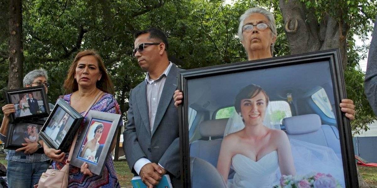 Madre de víctima critica a Miguel Herrera por haber visitado a Joao Maleck