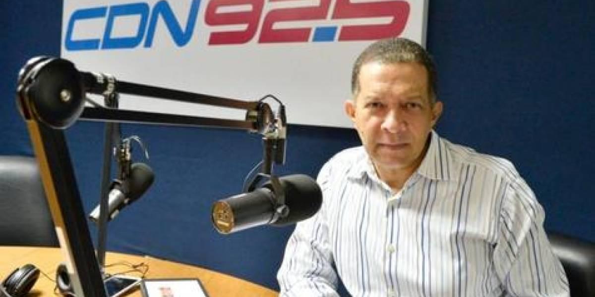 """Reyes Guzmán celebra 4to aniversario de programa radial """"Reyes con mucho más variedad"""""""