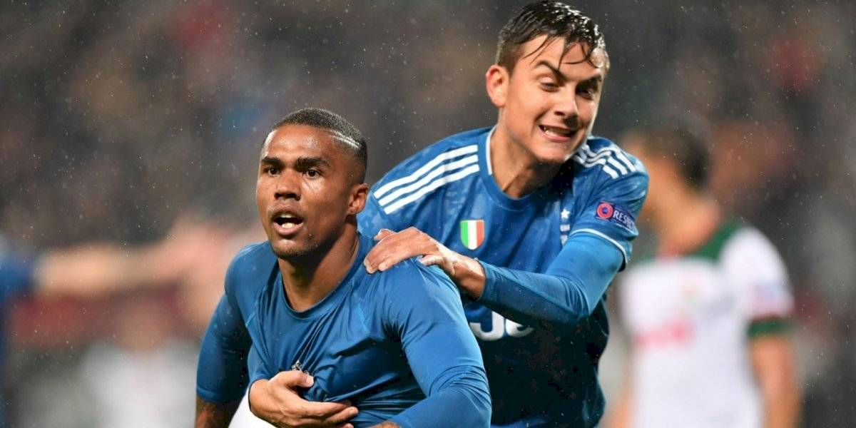 Juventus clasifica a octavos de final en Champions League