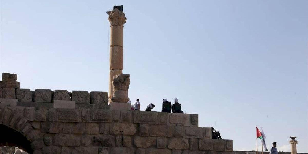 """""""Se acercó y comenzó a apuñar turistas"""": narra guía sobre ataque en Jordania"""