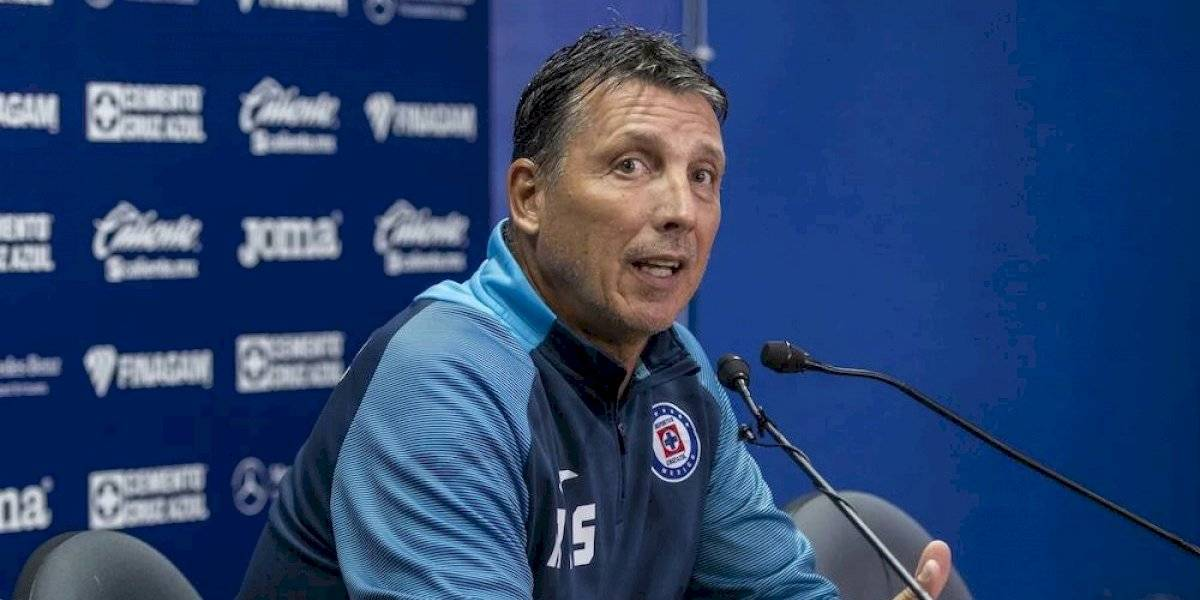 Siboldi considera que le falta madurez a Santiago Giménez