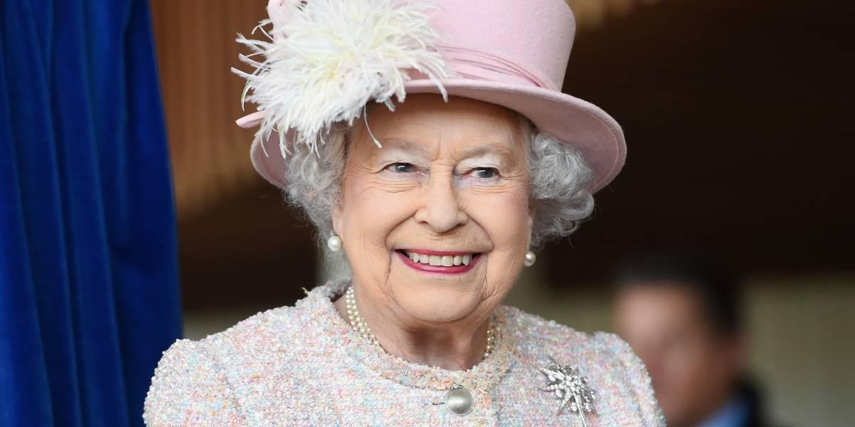 Rainha Elizabeth II terá pele falsa no armário