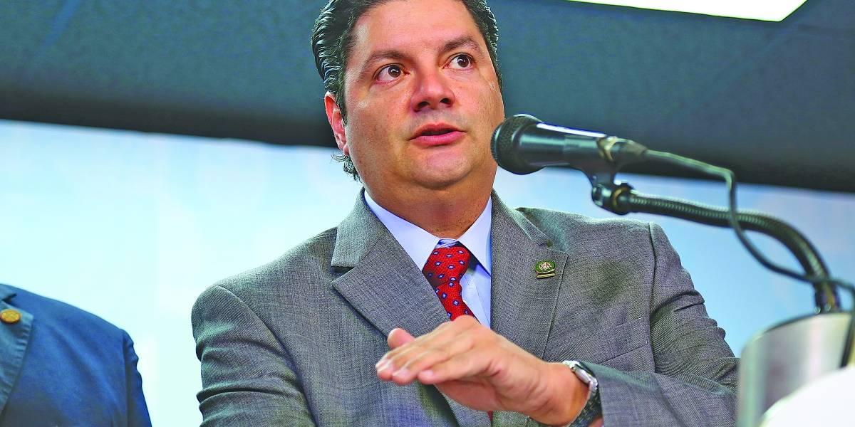 Cuestionan contrato de DMO con Vivienda