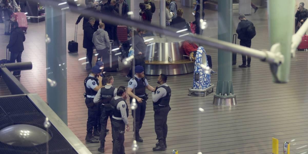 Por error, piloto encendió alerta de secuestro en aeropuerto de Ámsterdam
