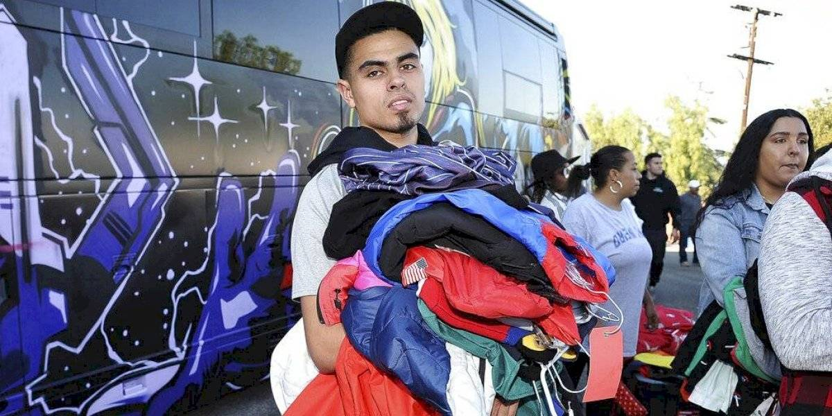 Chris Brown hace venta de garaje en su casa