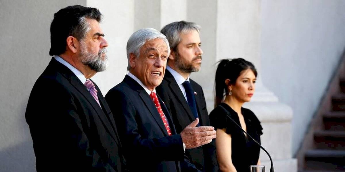 Ley antisaqueos, antiencapuchados y delitos cometidos con barricadas: Piñera anuncia agenda en materia de seguridad y convoca al polémico COSENA