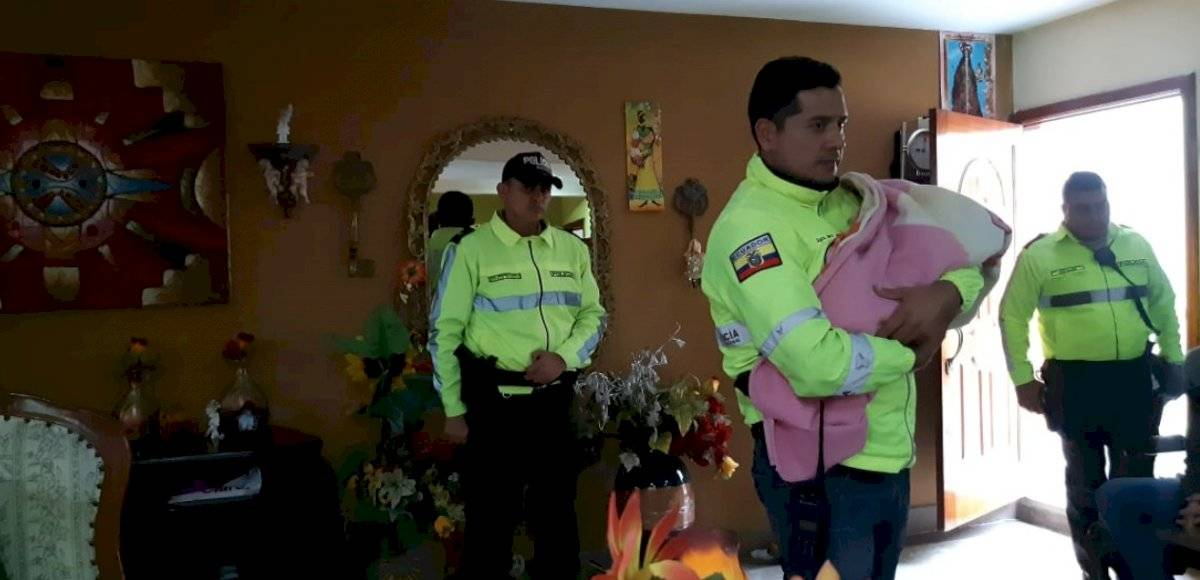 Recuperan a bebé recién nacido secuestrado, cuya madre fue asesinada