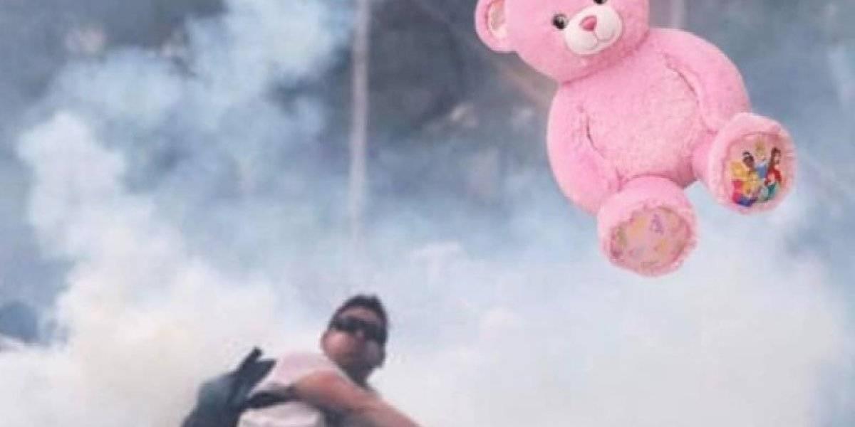 ¿Otro más para los Avengers chilenos?: el manifestante que se transformó en meme y que lanza objetos según la ciudad de Chile donde se protesta