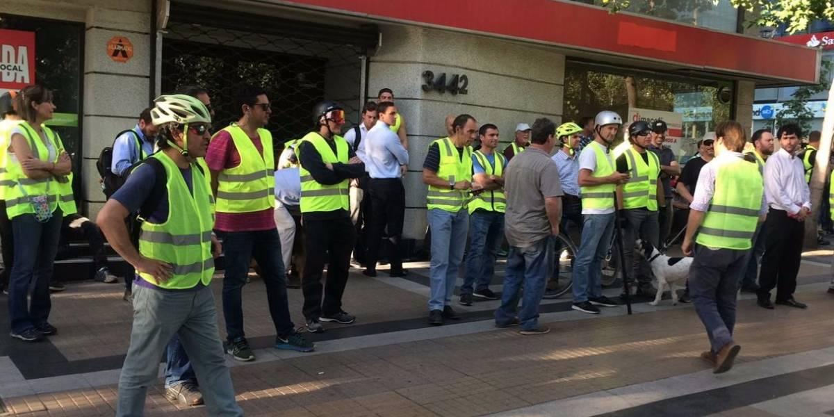 Barricadas y saqueos se registran en Providencia: Chalecos Amarillos están movilizados en la zona