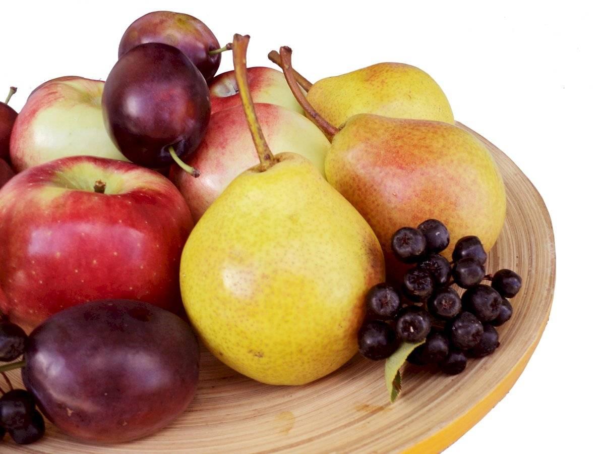 frutas uva pera maçã
