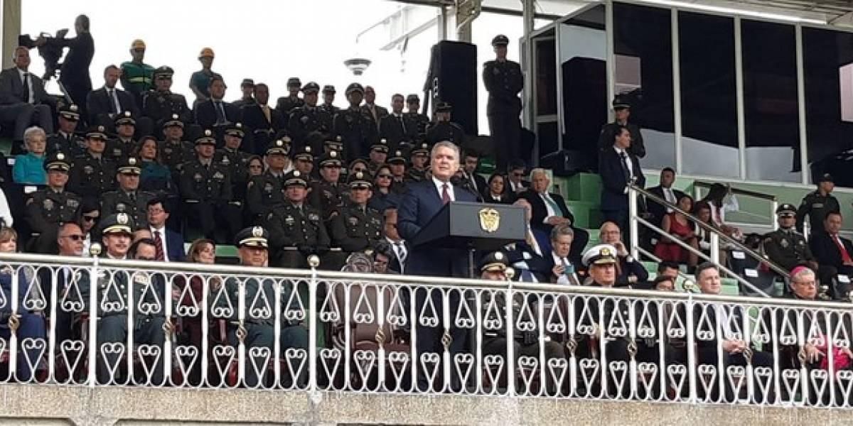 Duque le hace un homenaje a Guillermo Botero por su trabajo en el Ministerio de Defensa