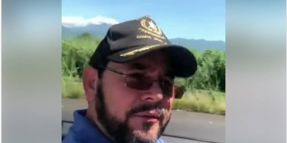 VIDEO. Jimmy Morales se graba manejando un convertible por la Costa Sur