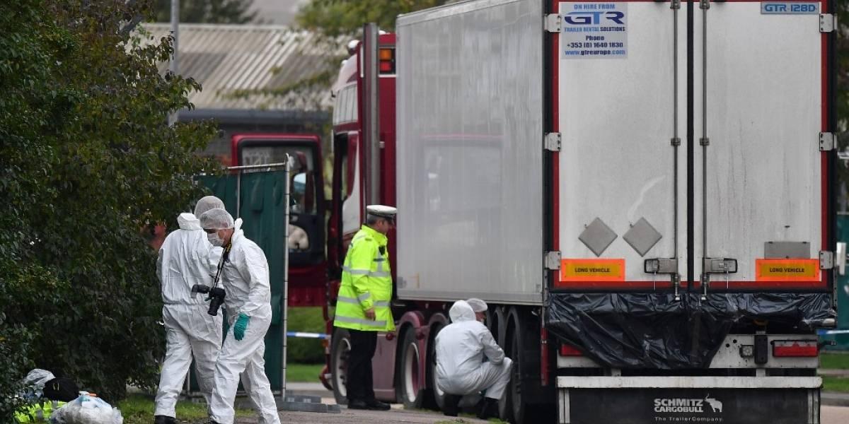 Revelanel origen de los 39 migrantes hallados muertos en un camión en el Reino Unido
