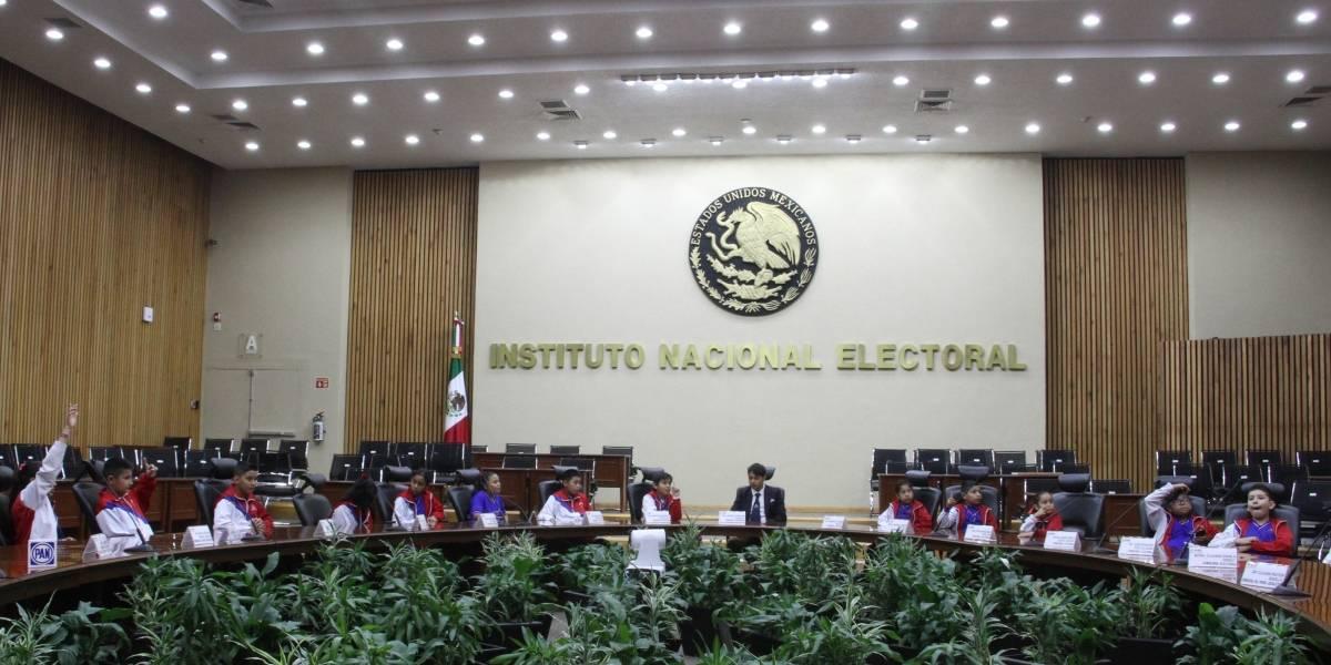 Sanciona INE a partidos políticos con 586 mdp