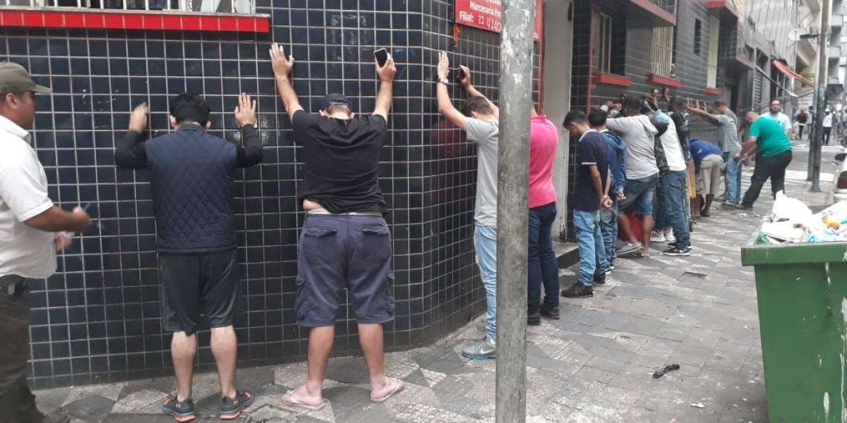 Polícia prende 50 suspeitos de furto de celulares e tráfico de drogas no centro de São Paulo