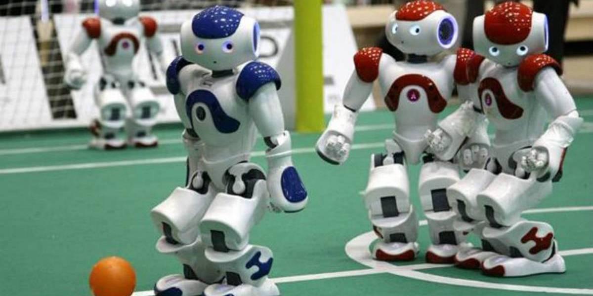 Los robot futbolistas Nao conocerán rivales humanos en 2050