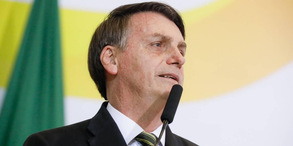 Bolsonaro fala sobre hérnia no abdômen e outros problemas de saúde