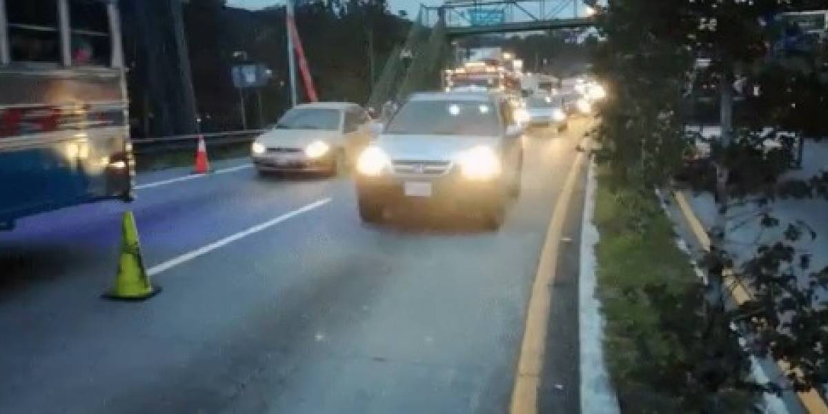 Camión choca en kilómetro 19 de ruta Interamericana