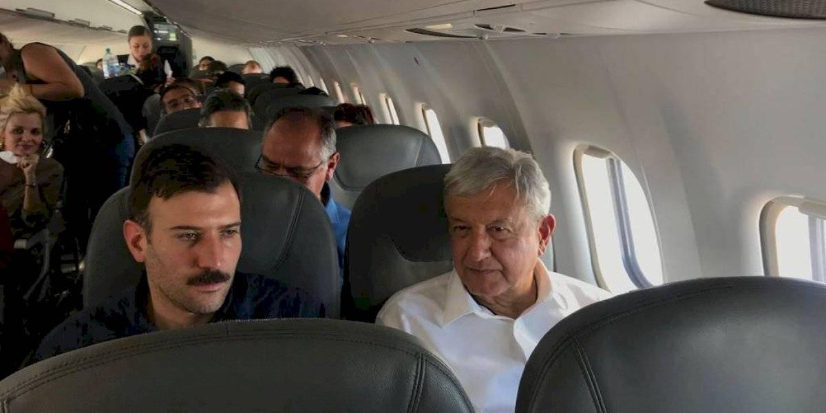 Por altavoz, pide piloto a AMLO continuar con el NAIM
