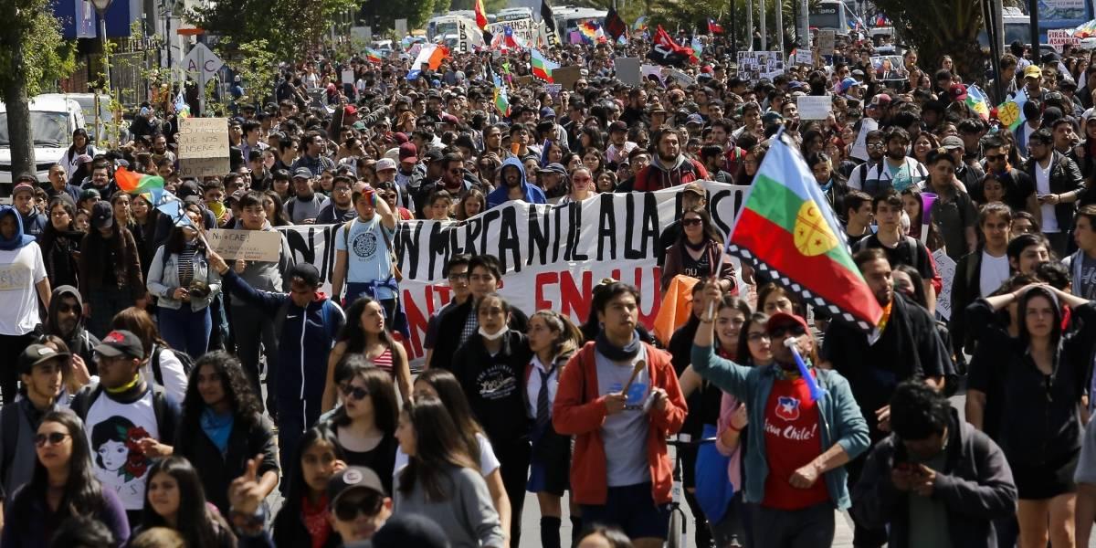Así van las votaciones en Chilecracia: Pensiones, cárcel para la colusión e isapres van a la cabeza