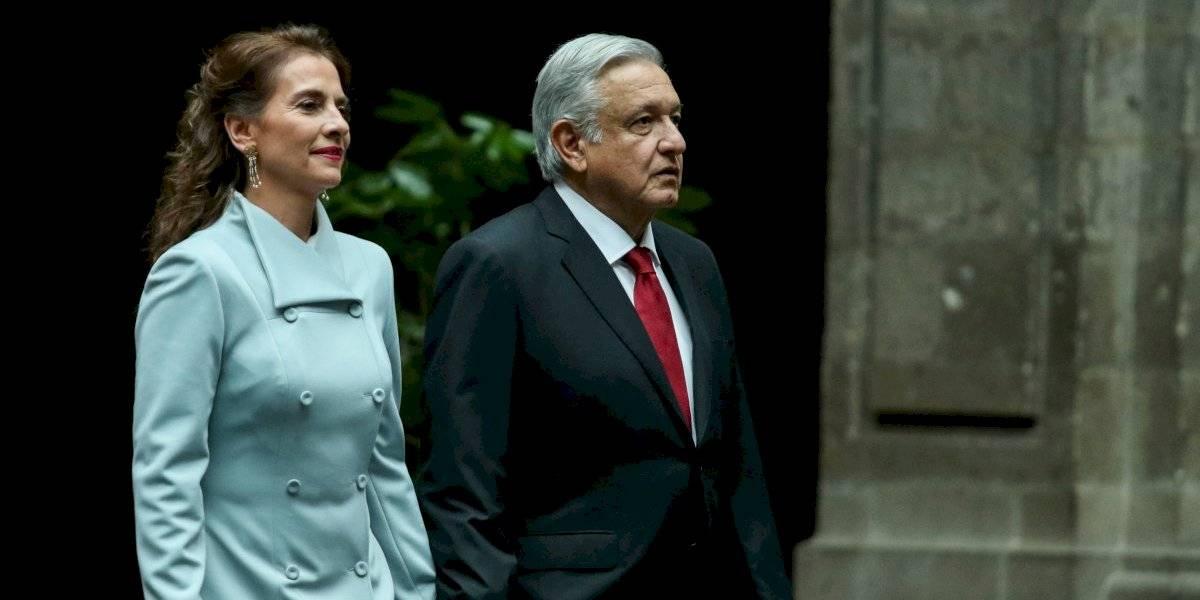 Así confeccionan los vestidos de Beatriz Gutiérrez Müller