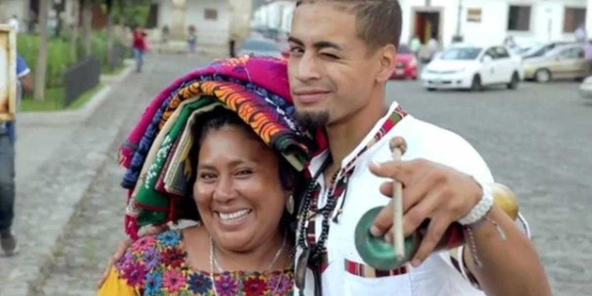Joven protagoniza serie en busca de sus orígenes y recorre Guatemala