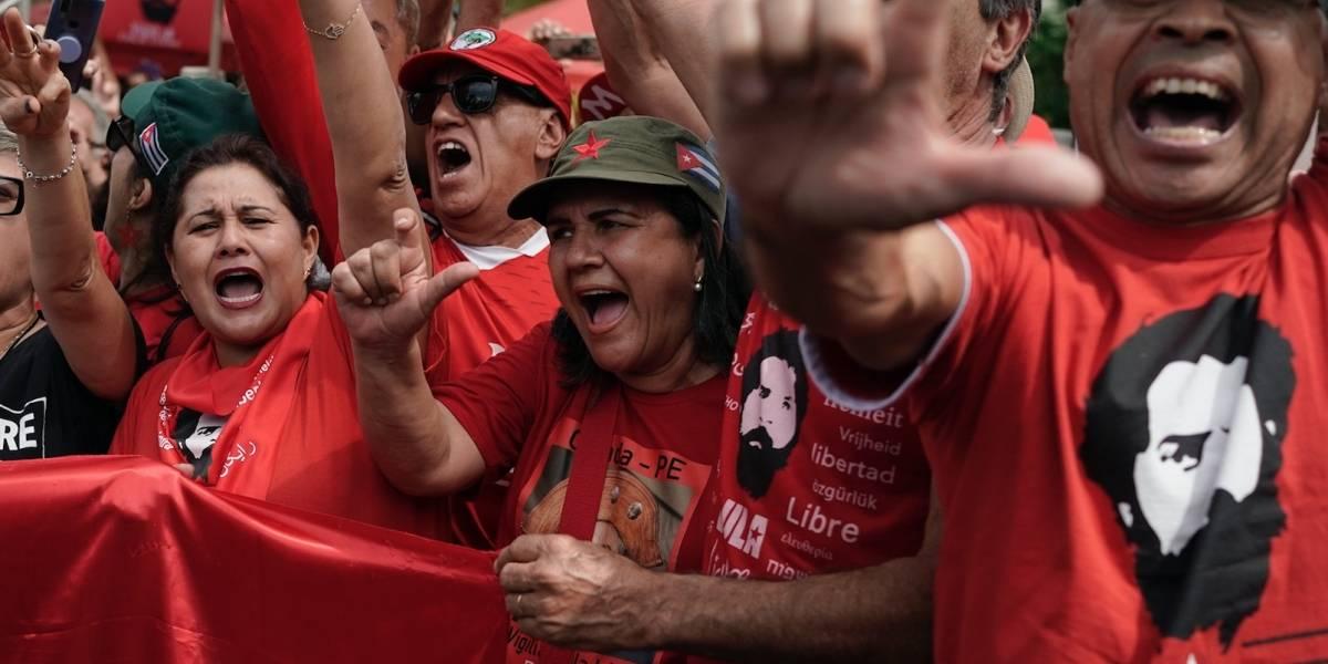 Juez brasileño ordena la liberación del expresidente Lula