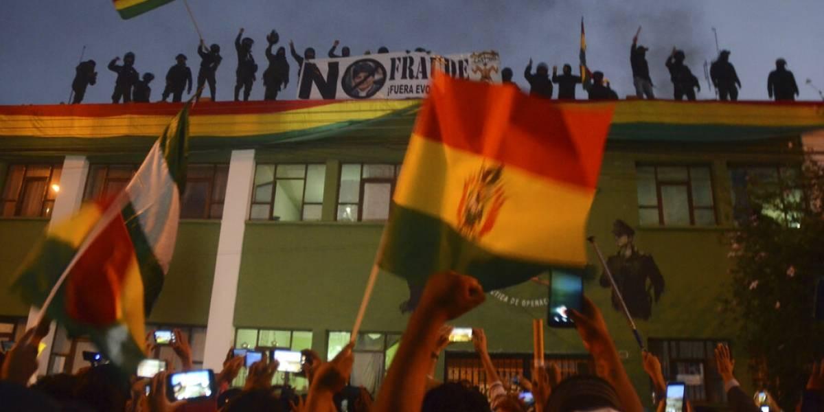 Presidente llama a diálogo para calmar convulsión en Bolivia