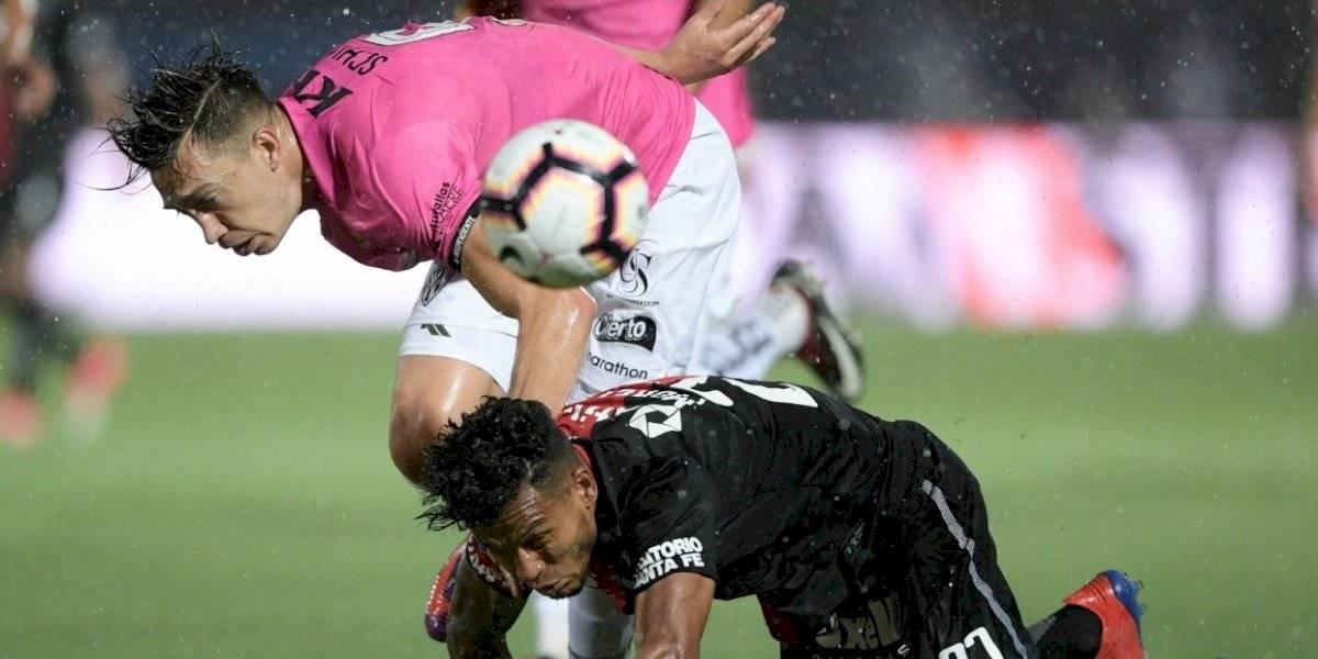 La lluvia obligó a suspender la final de la Copa Sudamericana entre Independiente del Valle y Colón de Santa Fe